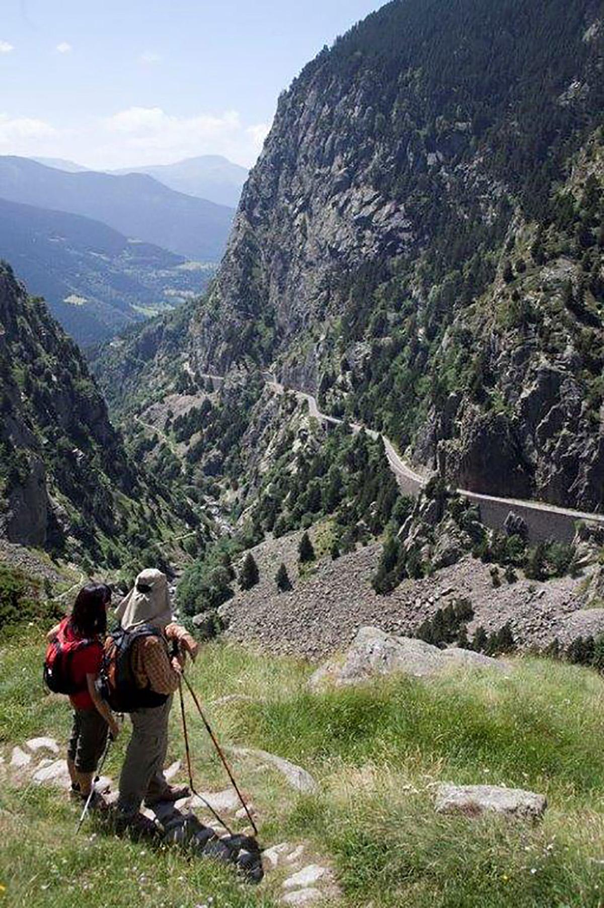 https://api-permanent-routes.livetrail.net/6122c9d6-c96a-4fb2-b291-f7fd508e7252.jpg